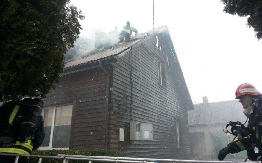 В пасхальное утро в доме прогремел взрыв, из окна выпрыгнула девочка