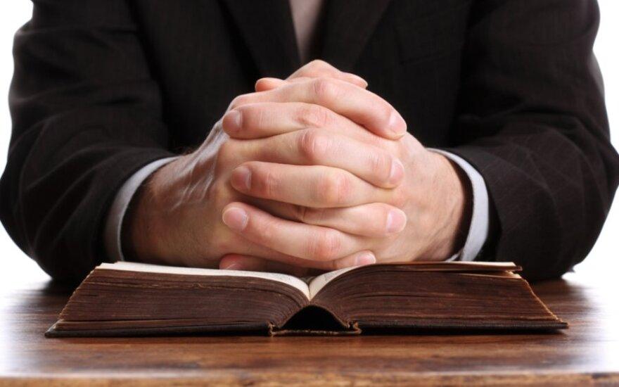 Церковь назвала число жертв священников-педофилов