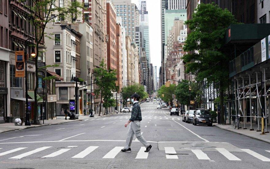 Коронавирус: в Британии закрыт город, в США все только начинается