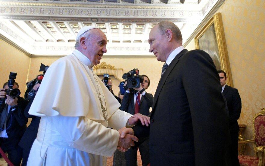 Putinas susitiko su popiežiumi