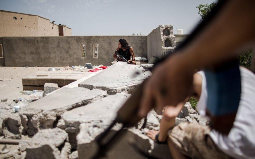 Ливийский премьер просит международной военной помощи
