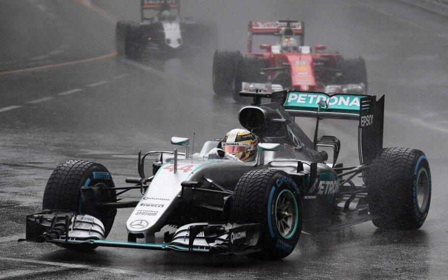 Хэмилтон на финише выбил Росберга и стал победителем Гран-при Австрии
