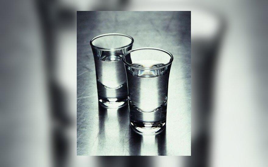 alkoholis, degtinė