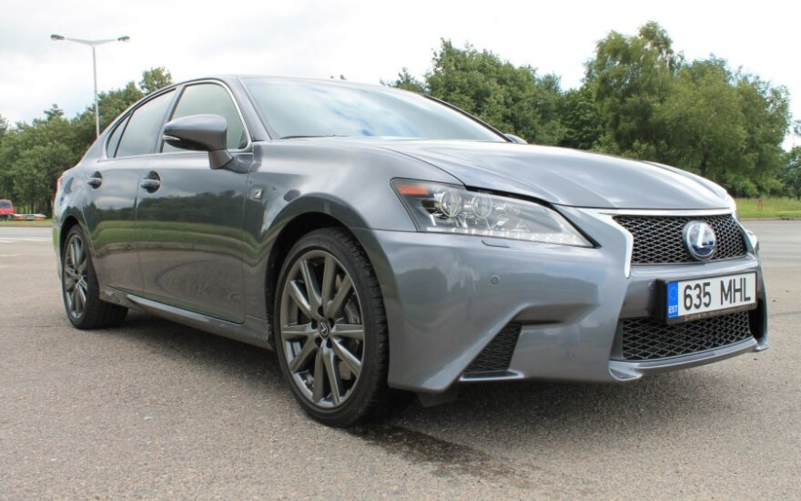Тест-драйв Lexus GS: аттракцион на колесах