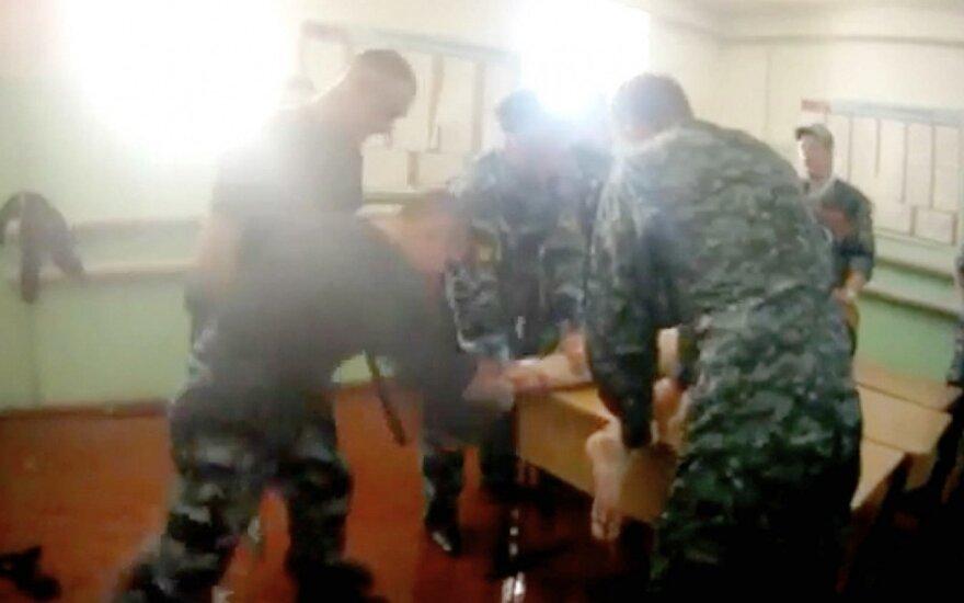 """""""Плати или подохни"""": The Insider выяснил, как в России сотрудники ФСИН зарабатывают на пытках заключенных"""