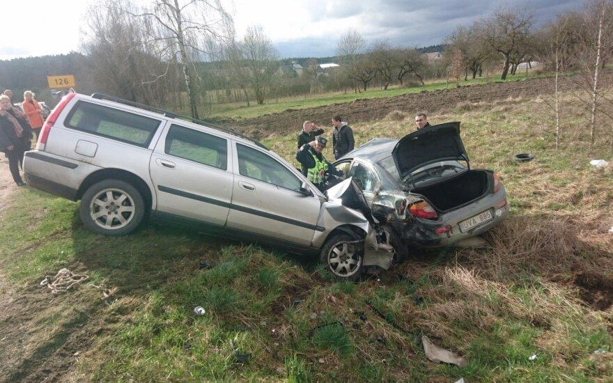 На дороге Шальчининкай-Эйшишкес авария: человек без сознания