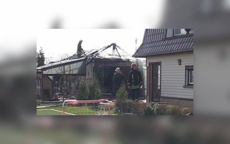 В Шяуляйском районе взорвался, предполагается, самогонный аппарат