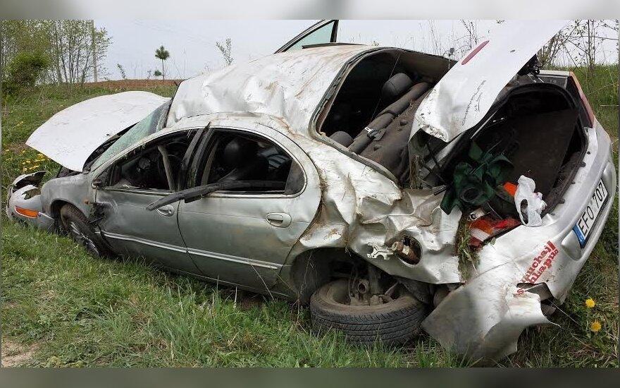 После ДТП от Chrysler осталась только груда металла