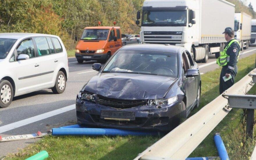 Виновница ДТП пересела на заднее сиденье автомобиля
