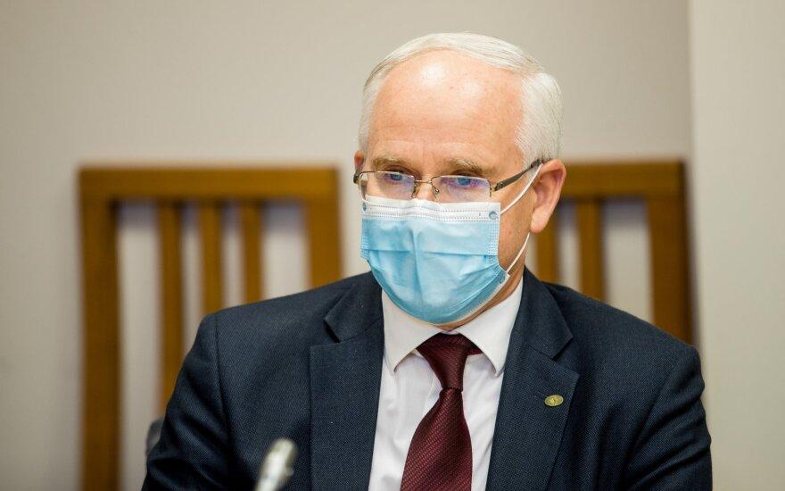 Профессор предупреждает министра: 12-летние передают вирус так же, как взрослые