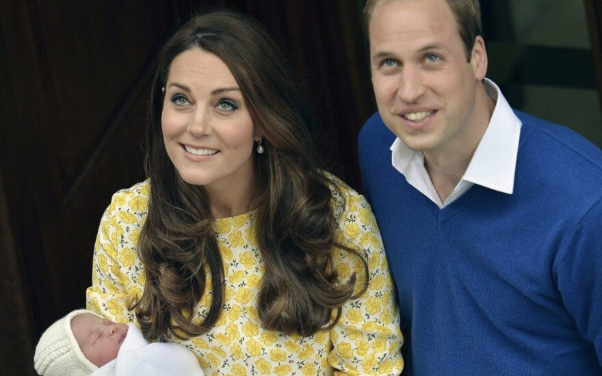 Princas Williamas ir Kate Middleton su dukrele