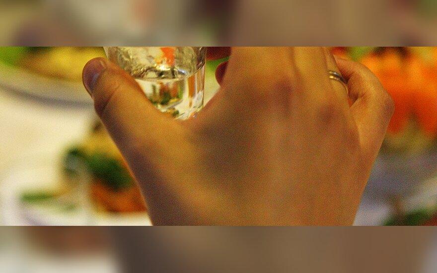 В Латвии нарушитель три дня подряд крал в магазине водку