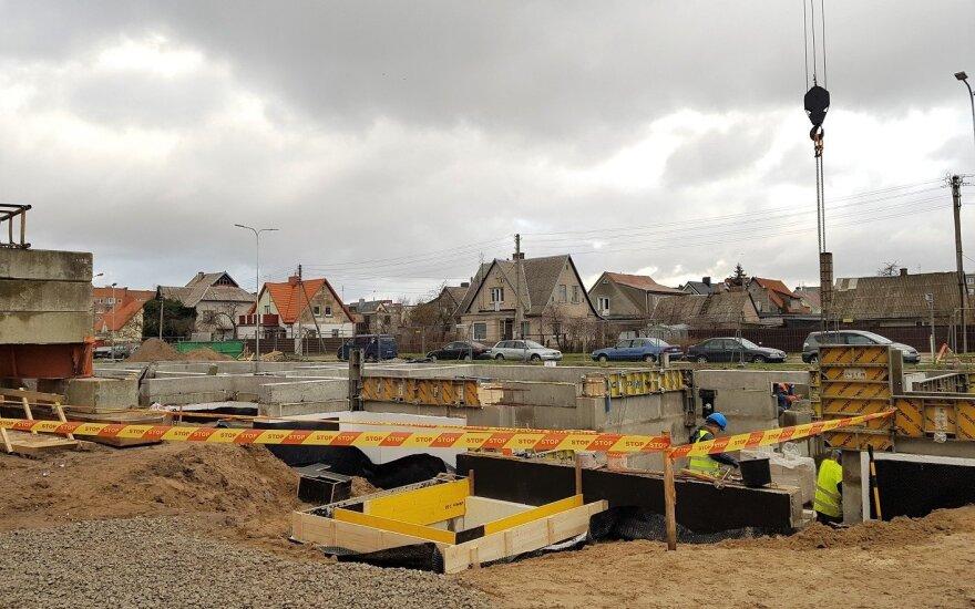 В Литве в сфере строительства и промышленности будет легче трудоустроиться работникам из третьих стран