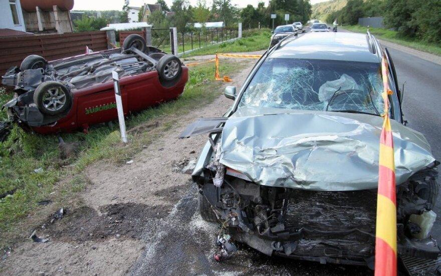 В Каунасском районе столкнулись три автомобиля