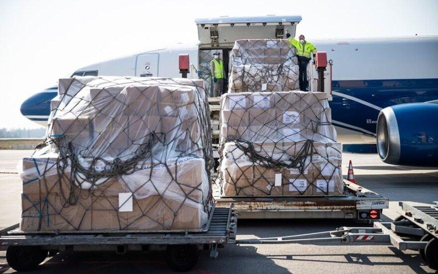 В аэропортах Литвы из-за поставок средств медицинской защиты увеличился грузопоток