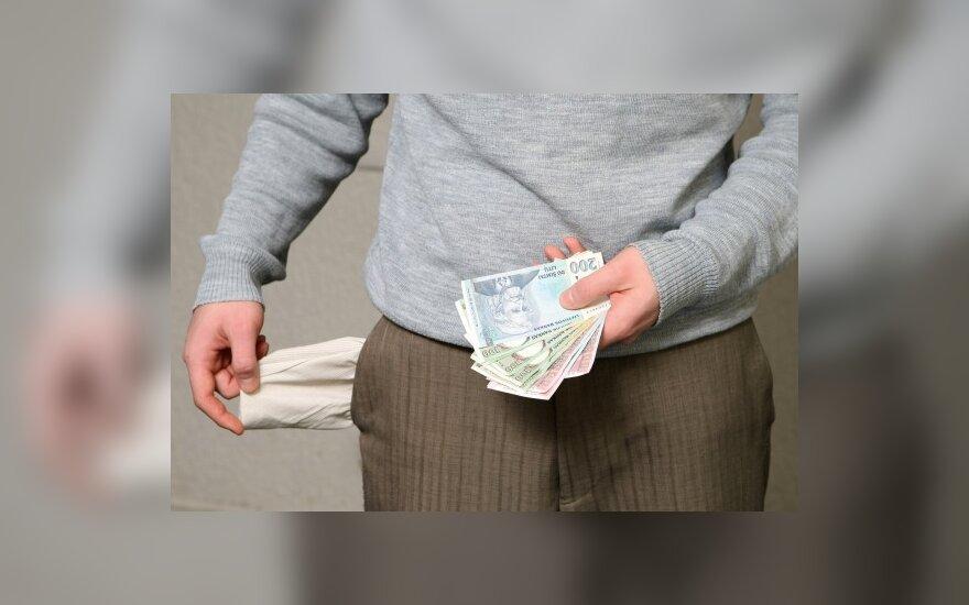 Литва – на втором месте по спаду брутто-зарплаты в Балтии