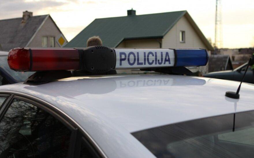 В Паневежском районе в машине обнаружен труп молодого человека