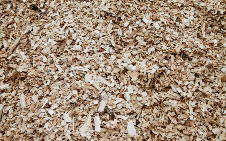В Утене открыли завод по производству брикетов из опилок