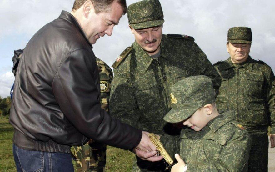 Dmitrijus Medvedevas, Nikolajus Lukašenka ir Aleksandras Lukašenka