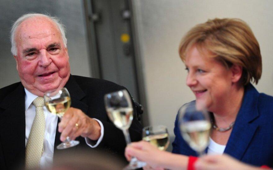 Angela Merkel, Helmutas Kohlis, 2010 m.