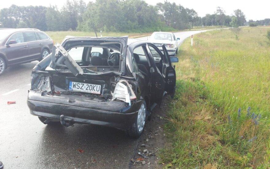 В Клайпедском районе в автомобиль поляков врезался грузовик