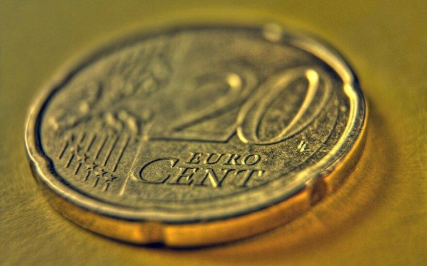 В Кедайняй грабители вернулись за 20 центами, забрали 64 евро, прожектор и швабру