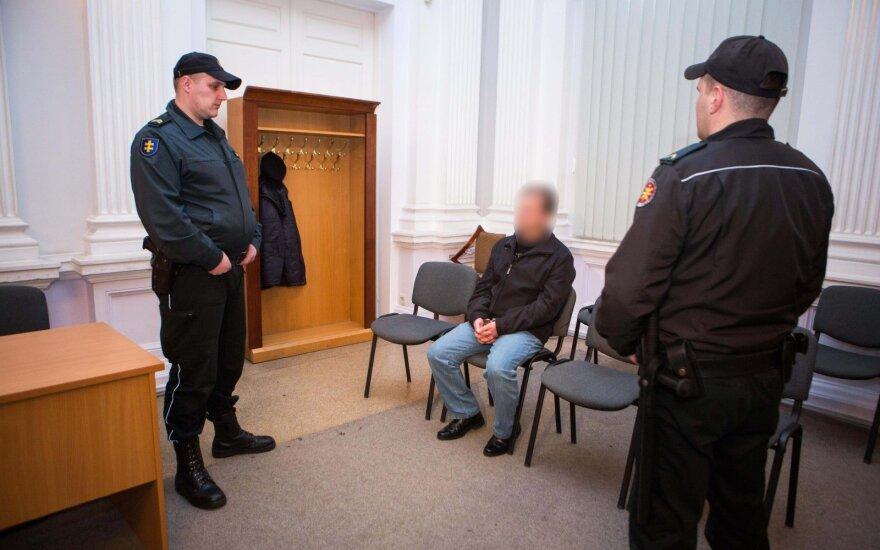 Просивший жителей Литвы о помощи отец оказался педофилом