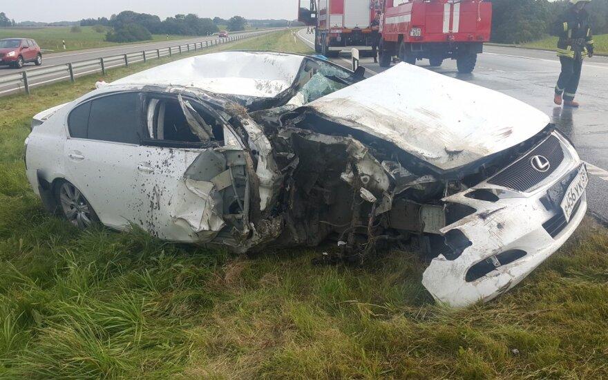 На дороге Клайпеда-Каунас за рулем заснул водитель, произошло ДТП