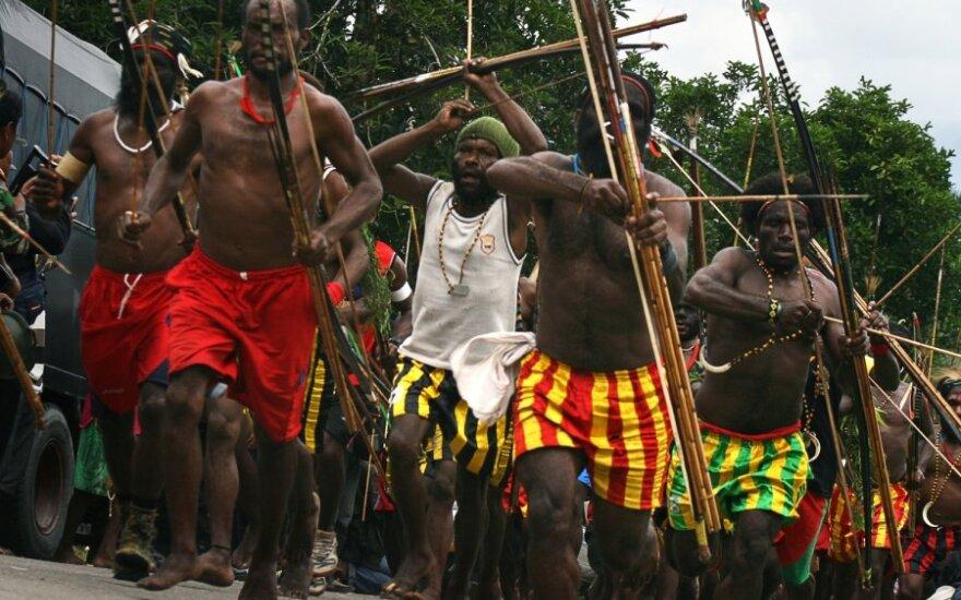 Papua - Nowa Gwinea: Spalono czarownicę. Policja podejrzewa męża