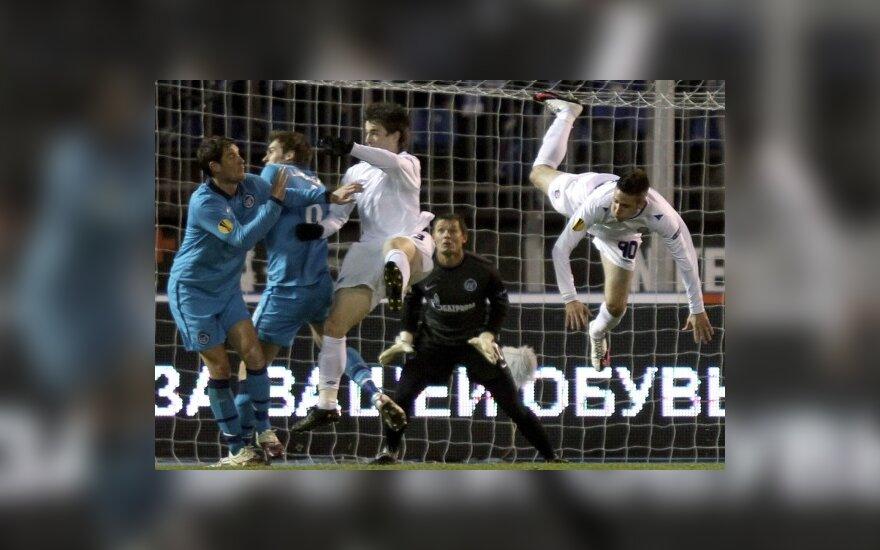 """""""Zenit"""" ir """"Hajduk"""" komandų mačo akimirka"""