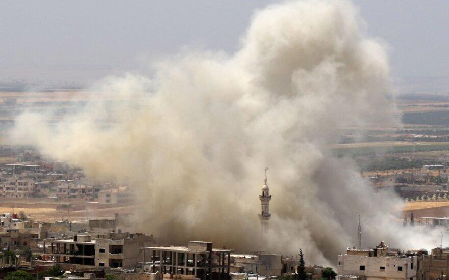 SOHR: per Izraelio smūgius Sirijoje žuvo 15 žmonių