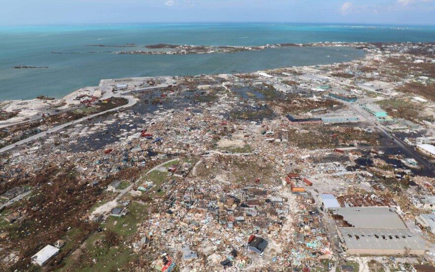"""Ураган """"Дориан"""" уходит в Атлантический океан"""