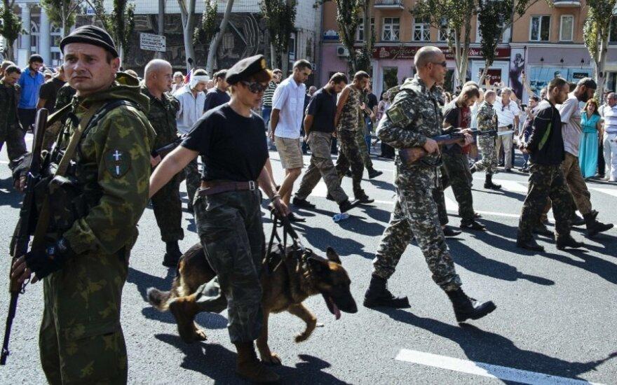 """HRW: """"парад"""" пленных солдат нарушает Женевскую конвенцию"""