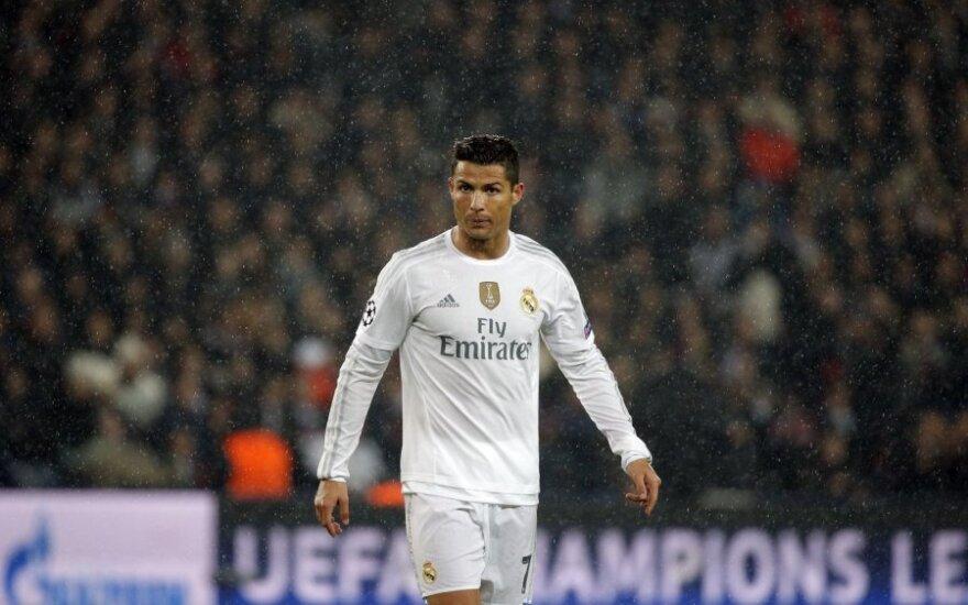 Роналду вышел на третье место в истории топ-5