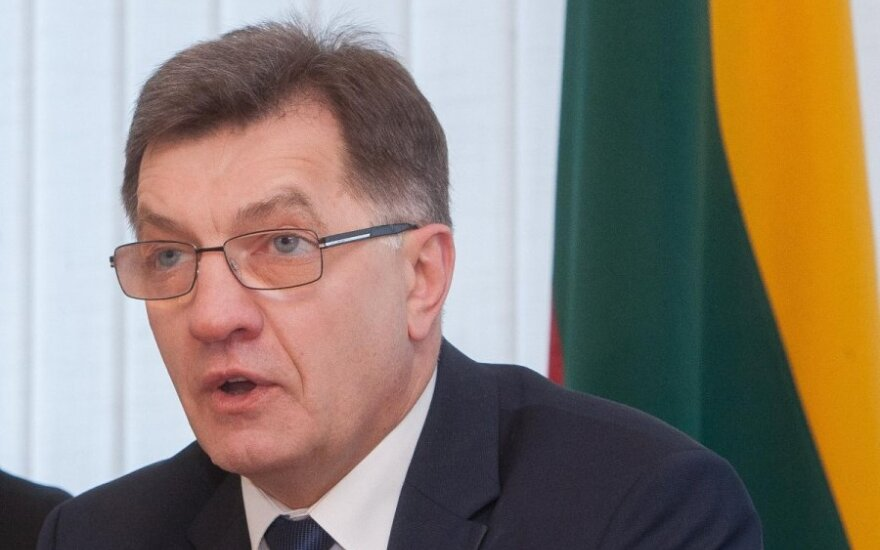 Butkevičius: Sikorski mija się z etyką dyplomatyczną