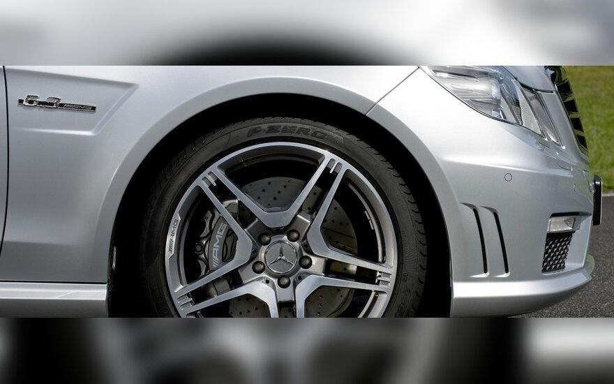 Mercedes знакомит с самым быстрым универсалом E63 AMG-S