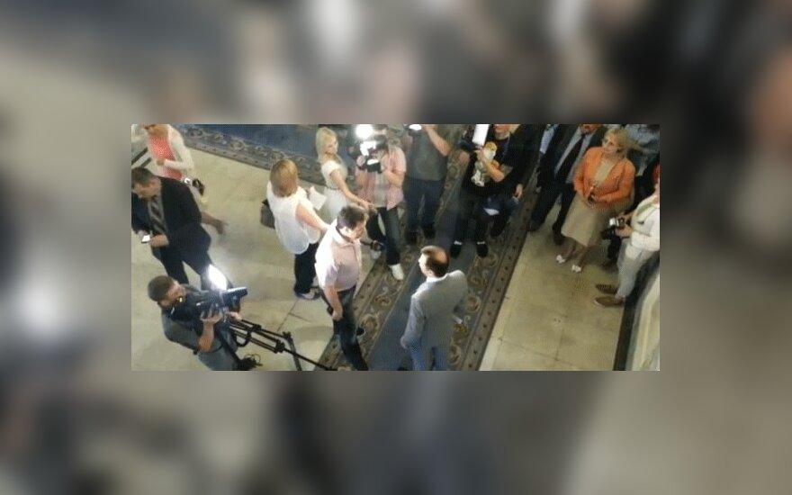 Украинский депутат Ляшко прогнал российских журналистов из здания Рады