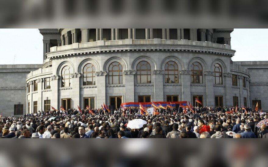 Азербайджан готов ответить Армении ударом по Еревану