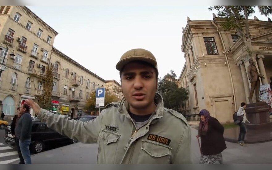 В Баку требовали освободить объявивших голодовку блогера Гусейнова и получившего убежище в Литве Хасанова