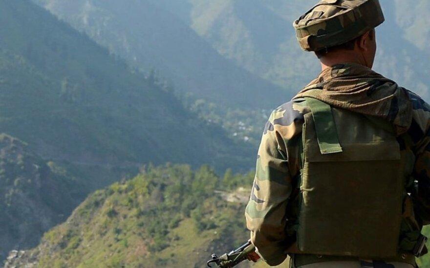 ВВС Индии нанесли удар по лагерю боевиков в пакистанской части Кашмира