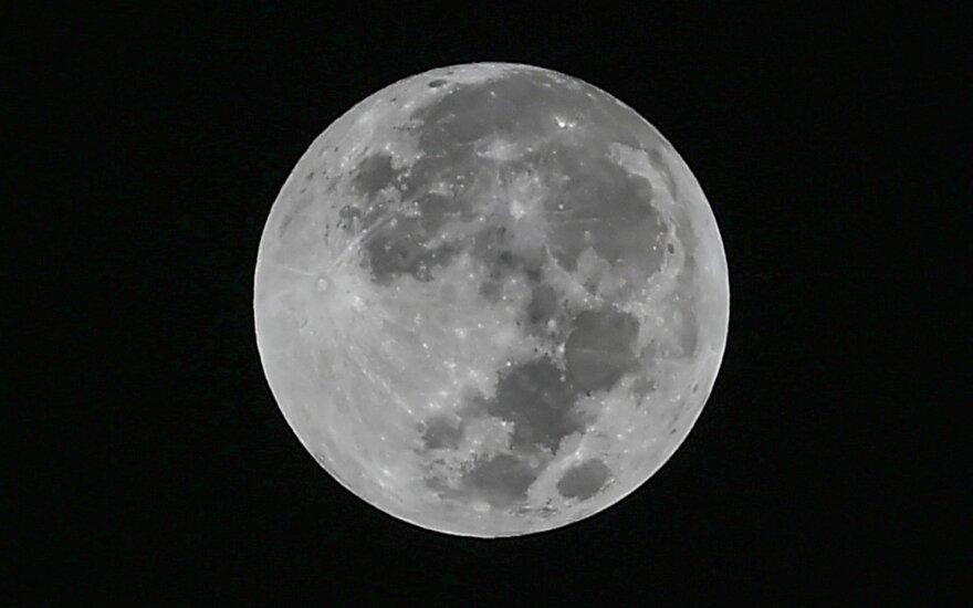 Ходивший по Луне астронавт Алан Бин скончался в больнице Хьюстона