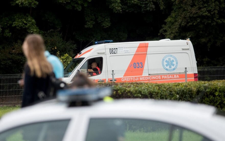 Найденный на улице избитый мужчина скончался в больнице