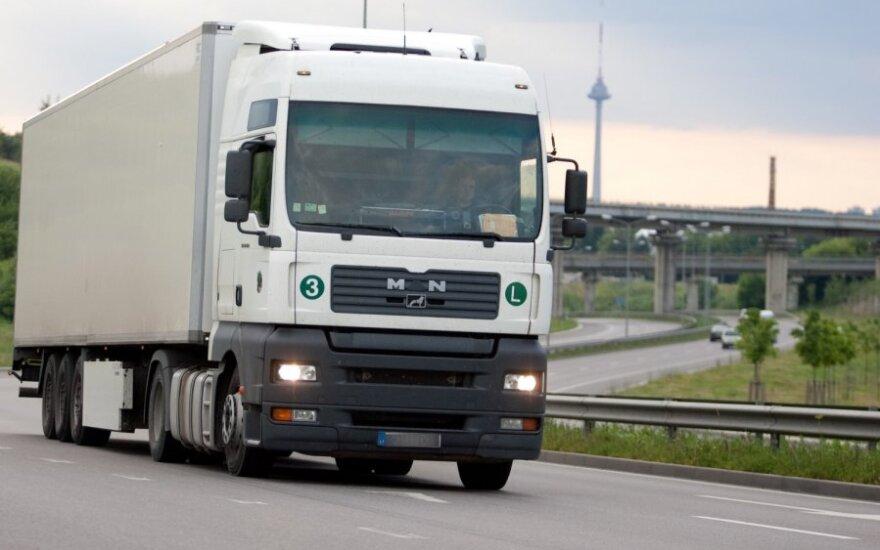 Литовец на грузовике сбил жителя Брянска и скрылся