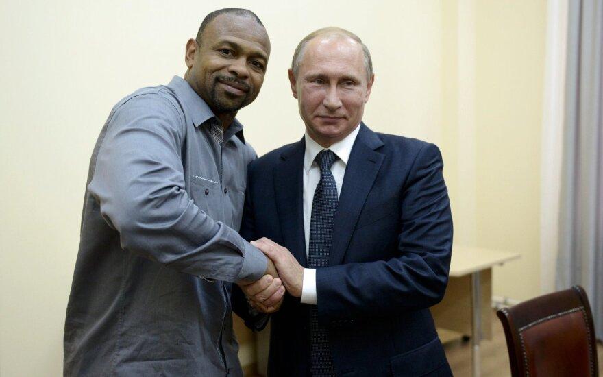 Vladimiras Putinas, Roy Jonesas