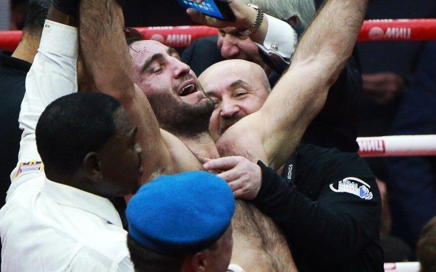 Гассиев нокаутировал Дортикоса и стал вторым финалистом WBSS