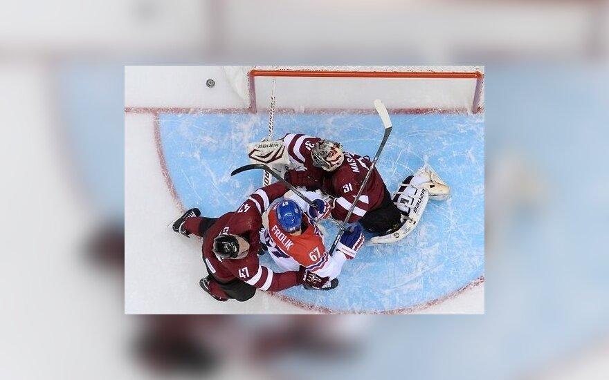 Хоккей: сборная Латвии уступила чешским хоккеистам