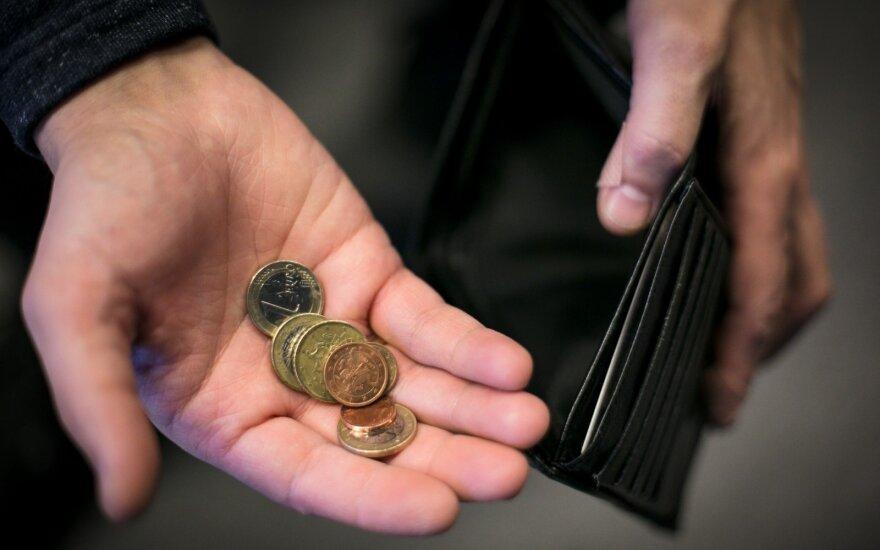 У лишившихся работы в Литве – возможность получить больше денег