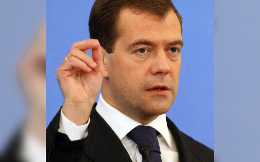Медведев: Россия вступит в ВТО самостоятельно