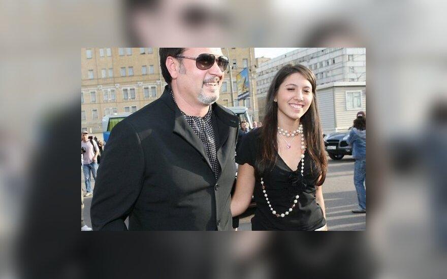 Дочь Меладзе познакомила родителей с женихом