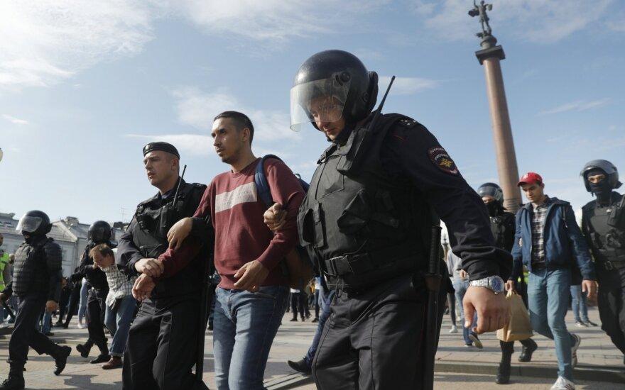 Rusijos policija sulaikė šimtus protestuotojų